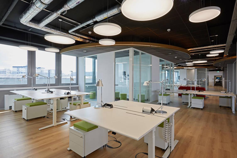 Moderner Büroraum in der IT:City